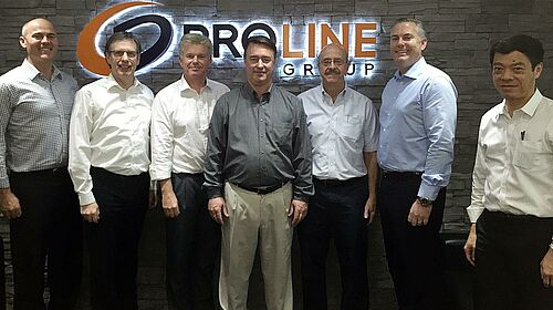 Gruppenphoto nach der Vertragsunterzeichnung